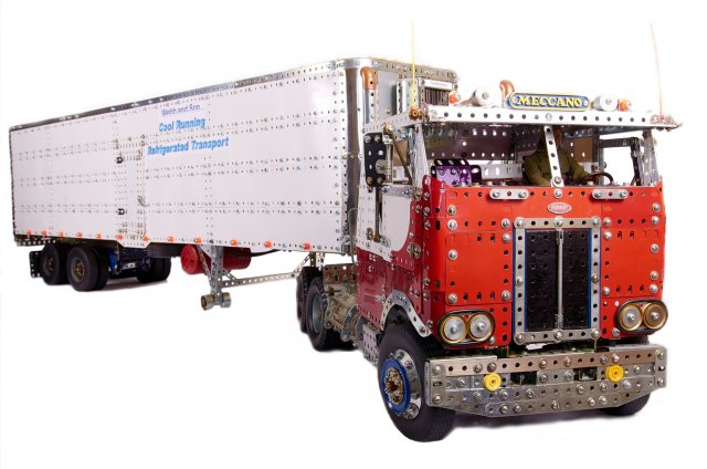 Peterbilt with 40ft refrigerated trailer